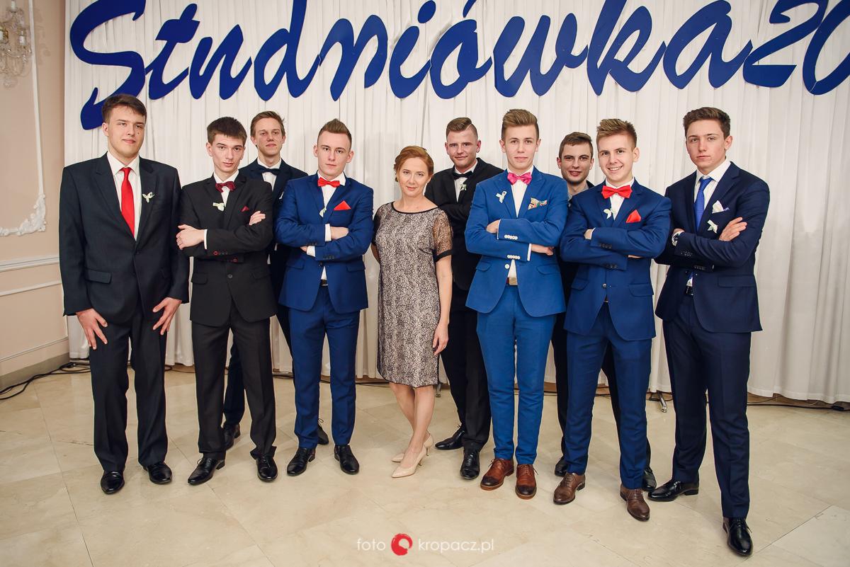 Studniówka_fotograf-na-studniowke_fotografowanie-studniowki_fotoreportaz-ze-studniowki_fotografia-Warszawa-Piaseczno_FOTOKropacz-106