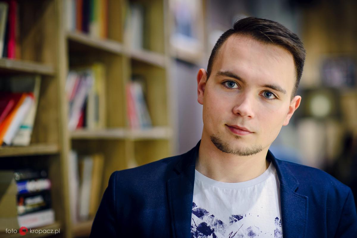 sesja-narzeczenska_fotografia-slubna_sesja-portretowa_zdjecia-zakochanych_fotograf-Warszawa-Piaseczno-Opole_FOTOKropacz-118