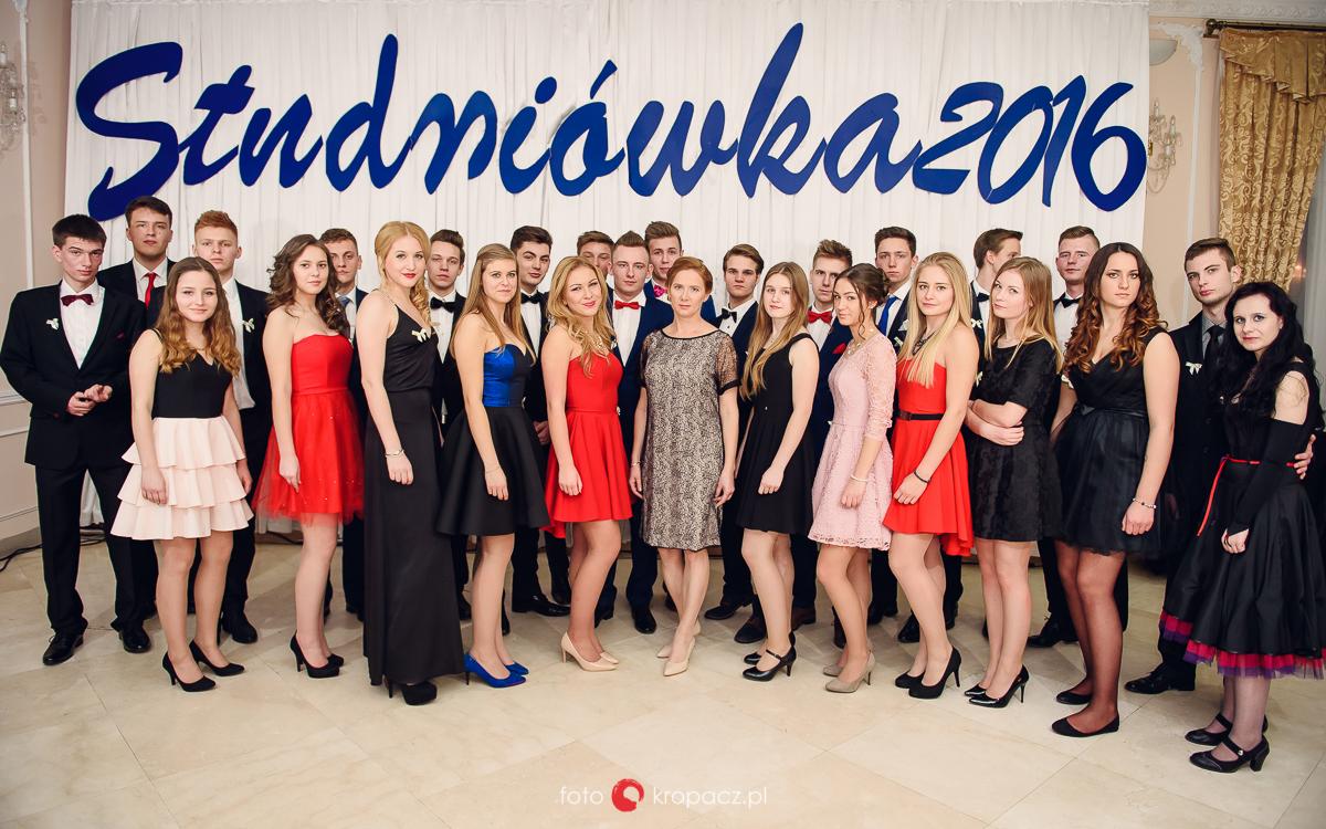 Studniówka_fotograf-na-studniowke_fotografowanie-studniowki_fotoreportaz-ze-studniowki_fotografia-Warszawa-Piaseczno_FOTOKropacz-104